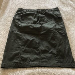 Columbia skirt with pockets!